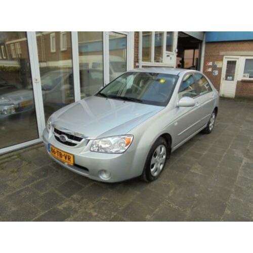 Kia Cerato 1.6-16V LX aiconditioning (bj 2006)